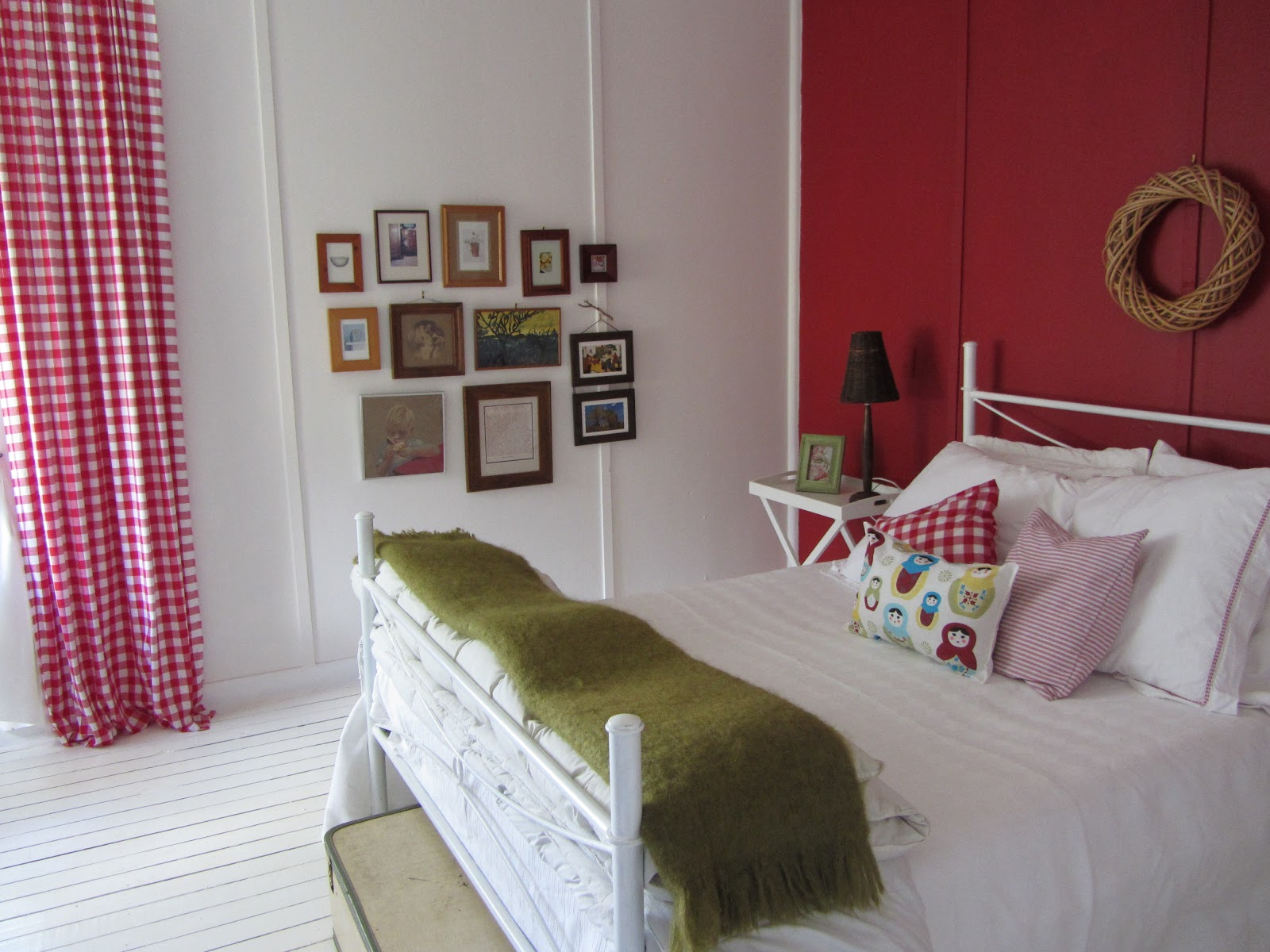 thom haus handmade: A Cheap and Easy Bedroom Makeover ... on Bedroom Ideas Cheap  id=25484