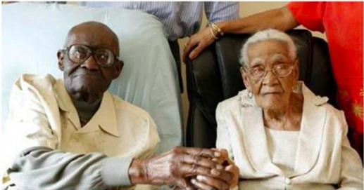 Ils ont à eux deux 213 ans – le mari en a 108, la femme 105 et ils fêtent leur 82e année de mariage