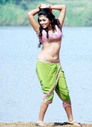 amala hot in green saree