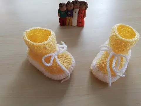 Tiernas Botitas Amarillas de Bebé a Crochet