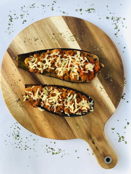 aubergines farcies au thon et à la tomate