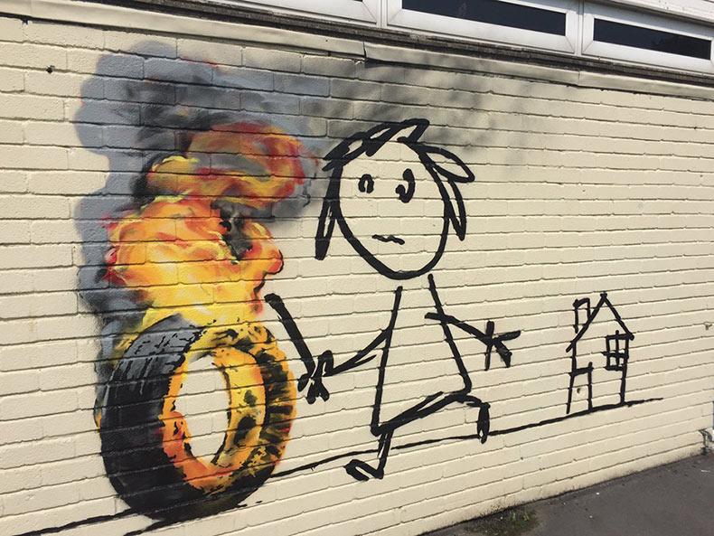 Nuevo arte callejero de Banksy realizado en una escuela infantil tiene un borde enternecedor