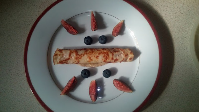 Healthy and nutritious breakfast - Homemade pancakes with fresh fruits
