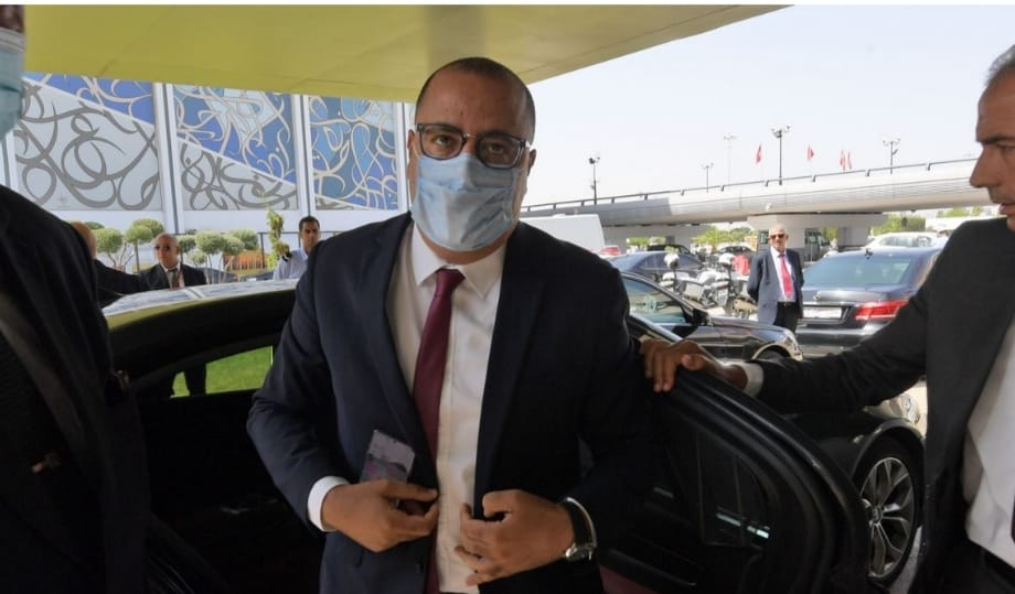 رئيس الوزراء التونسي يصعب الوضع الوبائي بالخطير