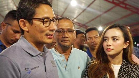 Safari di Bojonegoro, Sandi Disambut Warga Bawa Poster dan Teriakkan Nama Jokowi