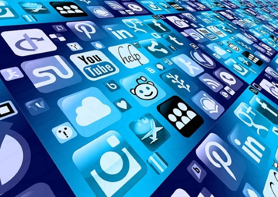 Cómo las Redes Sociales han Cambiado la Forma de Ver el Cine y las Series