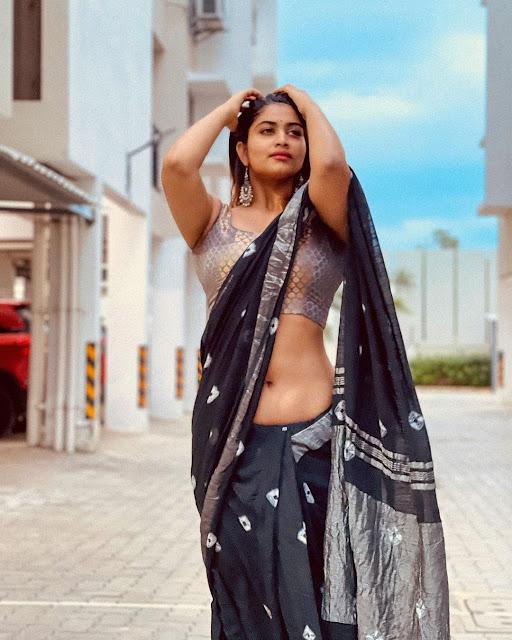 Actress Shivani Narayanan Very Hot Stills in Black Saree Navel Queens