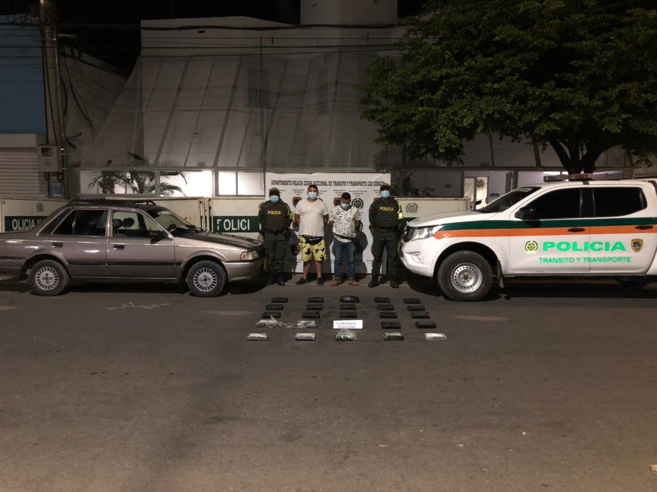https://www.notasrosas.com/Dos capturados con más de 28 mil dosis de clorhidrato de cocaína, en el Cesar