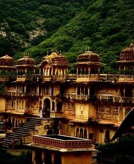 Best place to visit NEAR Jaipur