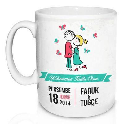 Yıldönümü için romantik kupa bardak