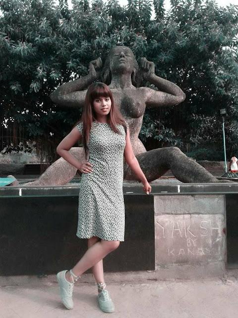 Bengali Actress Theertha Hot Image Gallery Navel Queens