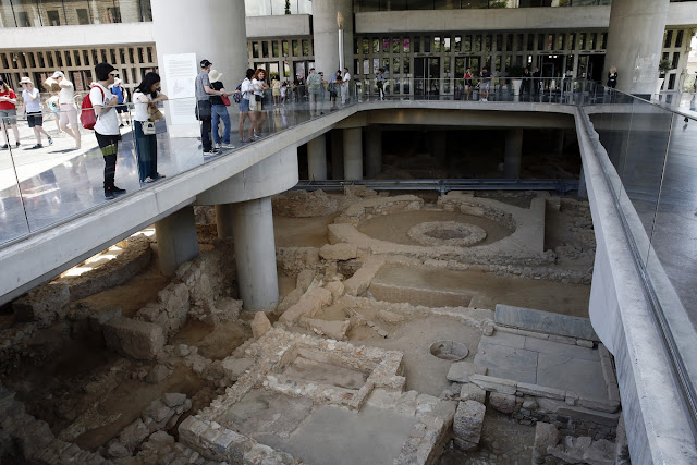 Ancient Athenian neighbourhood opens to public at Acropolis Museum
