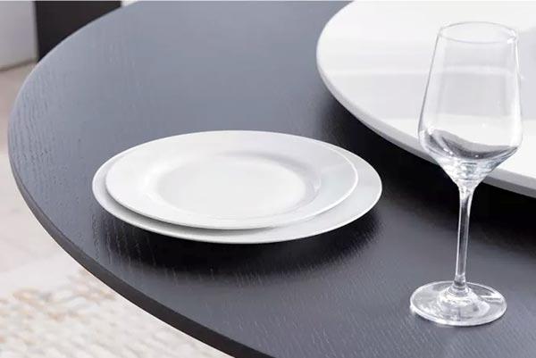 meja makan tamu