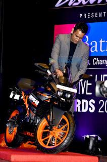 Mahendra Singh Dhoni at Positive Health Awards 2014
