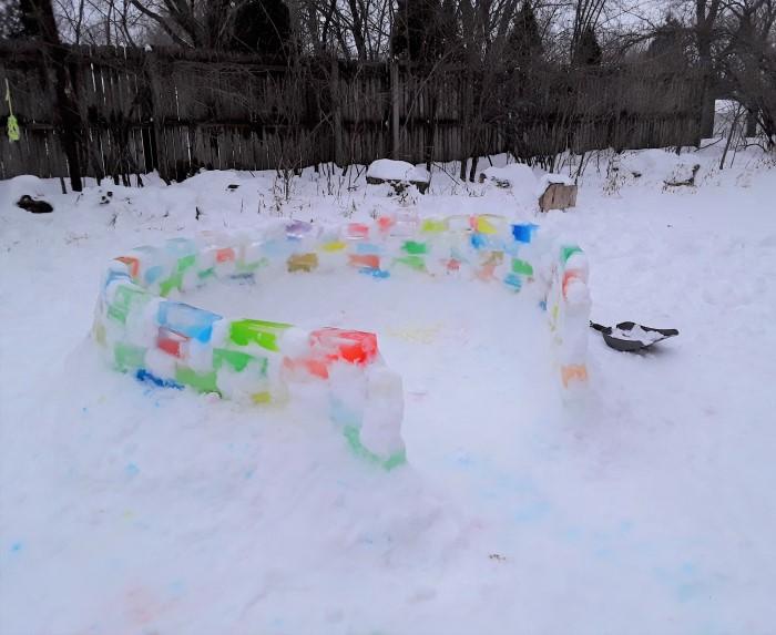 Cuando tienes nieve y frío , construye Igloos.