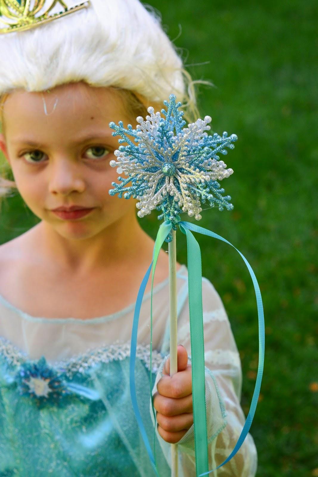 Aesthetic Nest Craft DIY Frozen Elsa Wand Tutorial