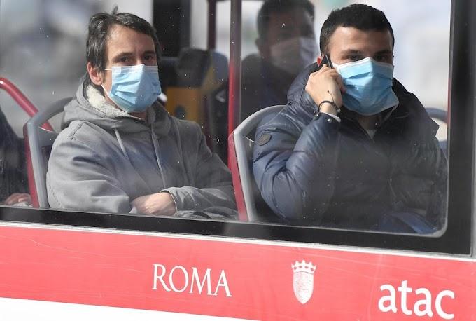 Fase 2: su bus e metro la mascherina sarà obbligatoria