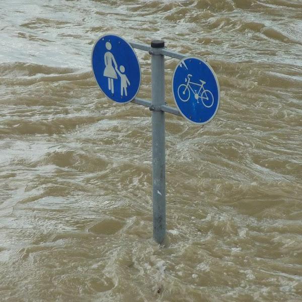 Tips yang Harus Dilakukan Saat Banjir Melanda