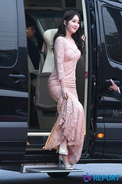 신아영 드레스
