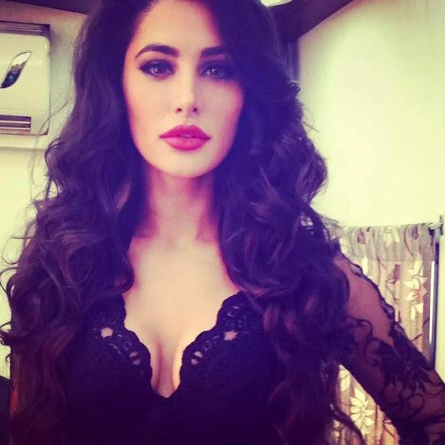 Nargis Fakhri Long Loose Curls