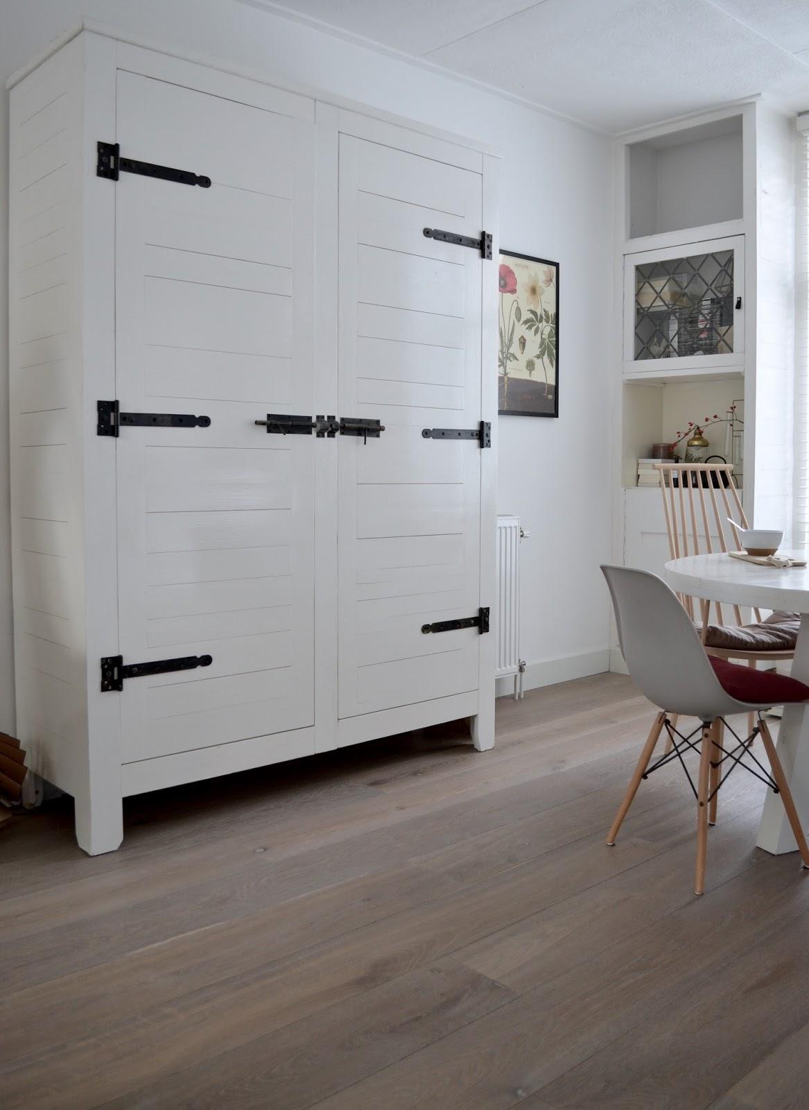 een nieuwe houten vloer