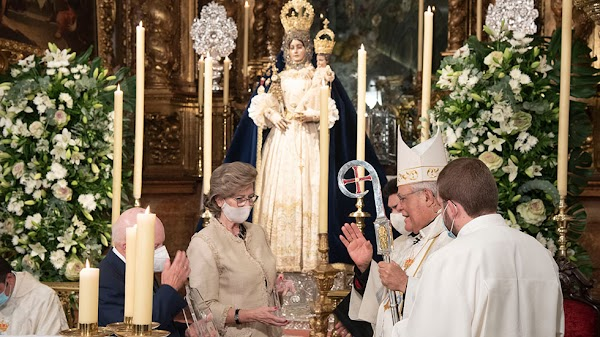 El Obispo de Córdoba bendice el columbario del Santuario de Aras de Lucena