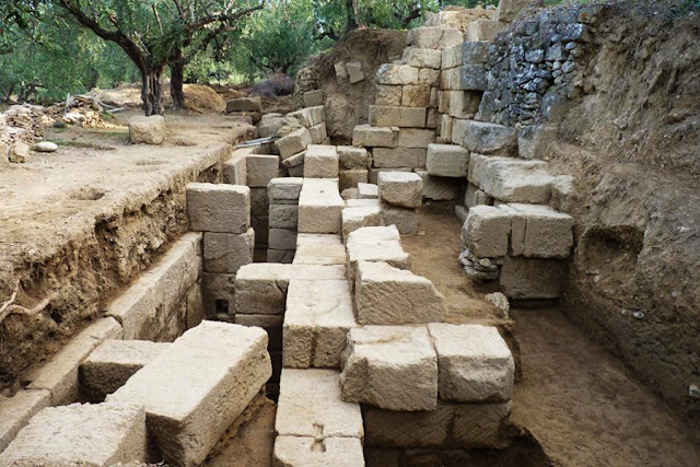 Unknown theatre revealed in Messenia's ancient Thouria