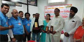 समाजसेवी राजेश कुमार को कानपुर में किया गया सम्मानित | #NayaSaberaNetwork