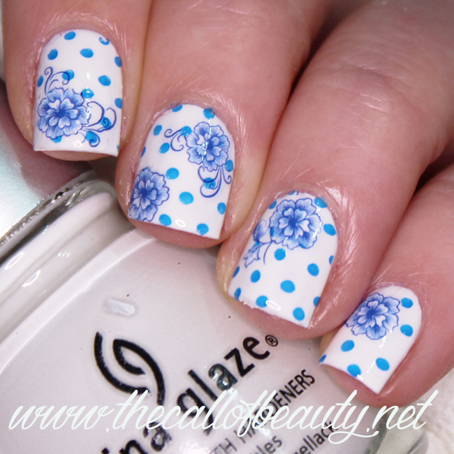 Great Nail Art Ideas: Blue Floral