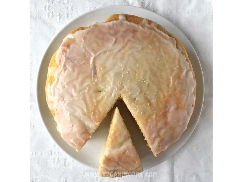 Vegan lemon sponge cake