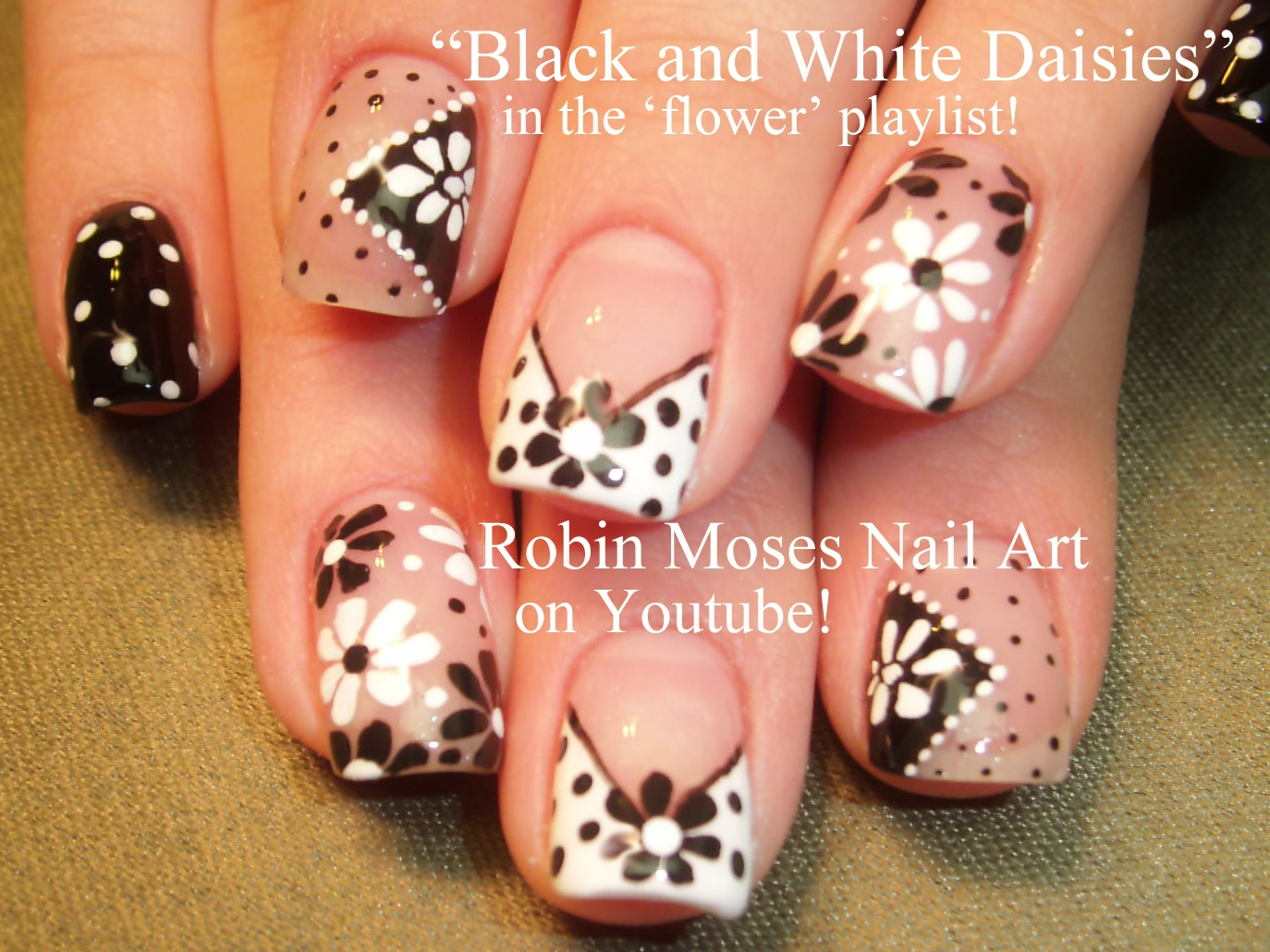 Nail Art By Robin Moses Daisy Nail Art On Navy Blue Tips Navy
