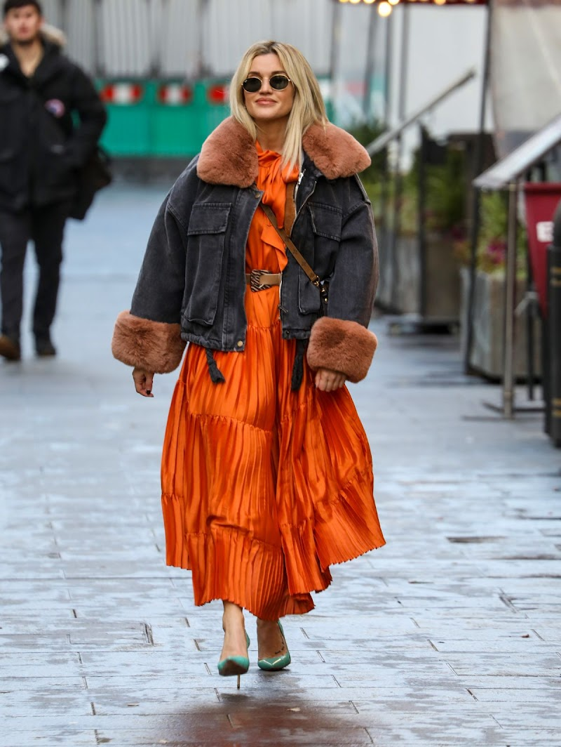 Ashley Roberts Spotted At Global Radio Studios in London 14 Dec-2020