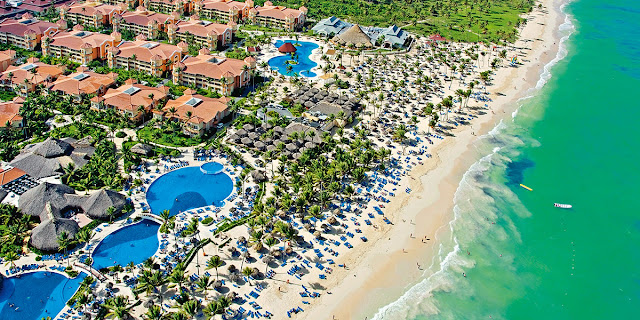 Your adults only hotel in Punta Cana: Luxury Bahia Principe Ambar Resort. Find out the best all-inclusive offers for Dominican Republic hotels and resorts.