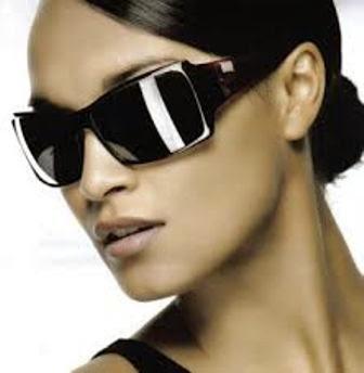 5 Cara Merawat Kacamata Hitam