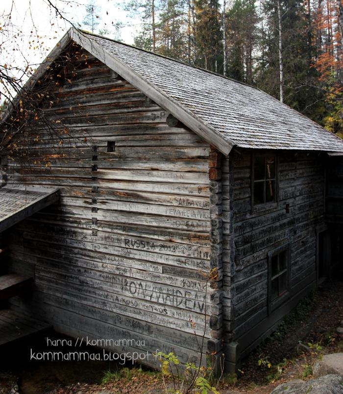 pieni karhunkierros oulanka oulangan kansallispuisto ruska myllykoski rakennus mökki hirsimökki