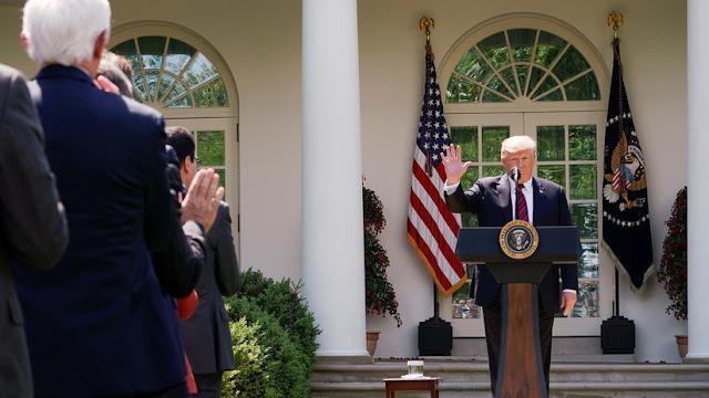 """""""Será la envidia del mundo moderno"""": Trump propone un plan de inmigración que favorece a """"los genios"""""""