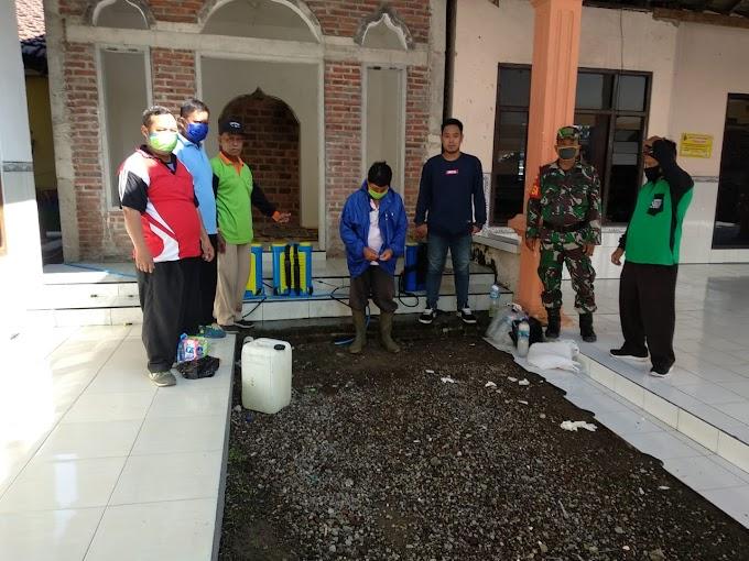 Upaya Pemutusan Rantai Penyebaran Covid-19, Pemerintah Desa Jatilangkung Lakukan Penyemprotan Disinfektan Rutin