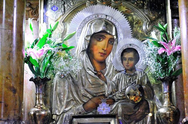 Три коротких молитвы Божией Матери на каждый день: во спасение и защиту