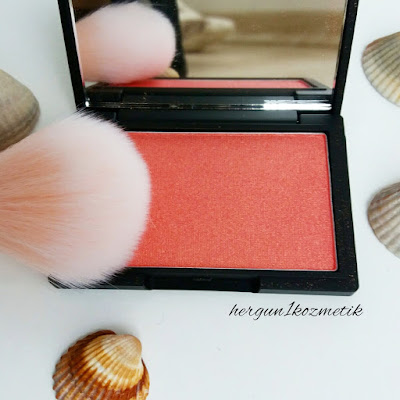 Sleek Blush: Rose Gold (926)