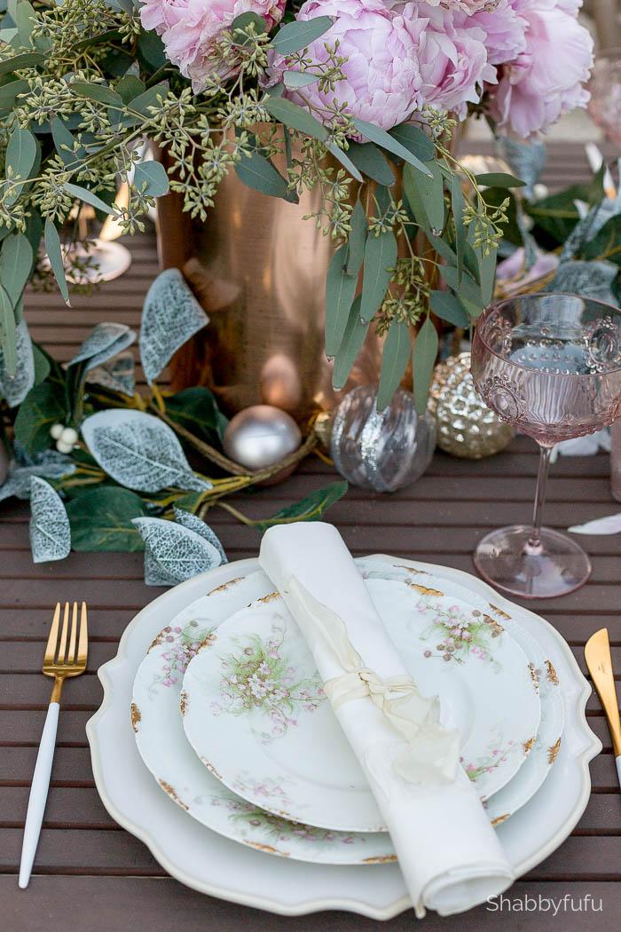 christmas-tablesetting-outdoors-florida