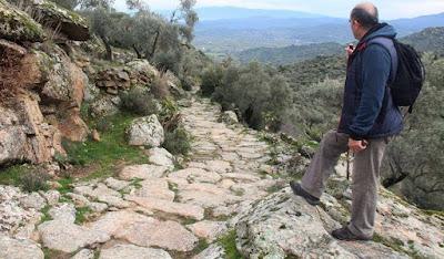 Στο Αϊδίνιο της Μικράς Ασίας ισοπέδωσαν με μπουλντόζα δρόμο 2.300 ετών!