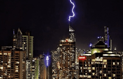 How lightning Stroked in a City Center ?
