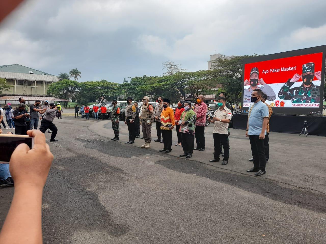 Polda Lampung Kampanyekan Pembagian Masker secara serentak