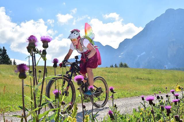 Krüger Madl Mountainbike Dirndl