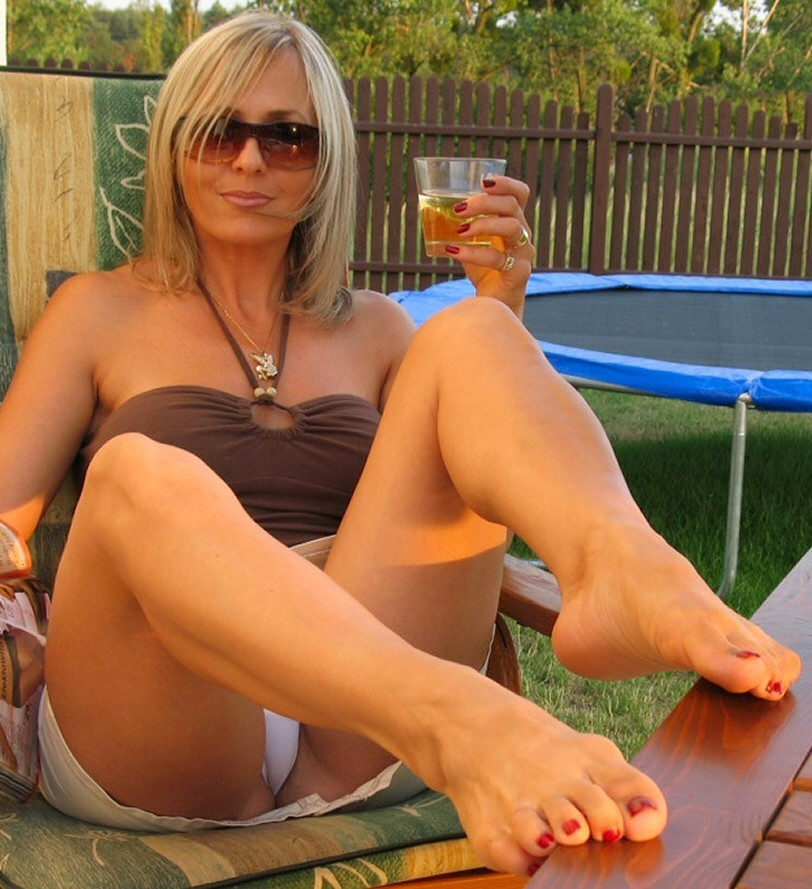 Alluring cougar doing what she does best 1 4