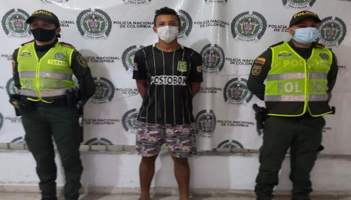 https://www.notasrosas.com/Un joven y su compañero menor de edad, detenidos por Hurto en Valledupar