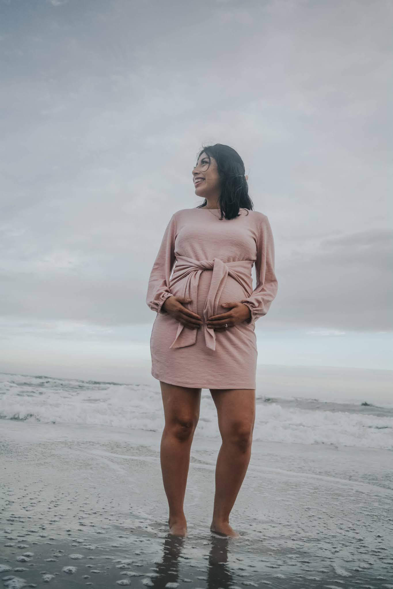 Maternity Photo Shoot Ideas: The Beach Sunset