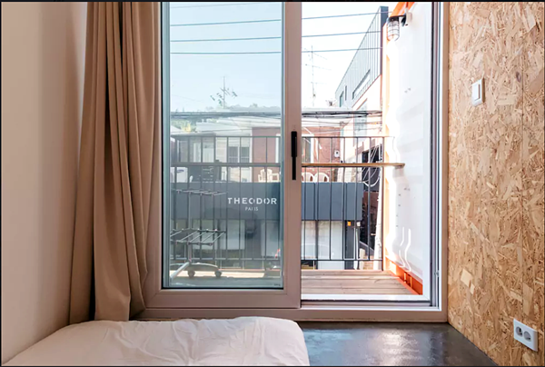 Shipping Container 4 Story House - Office, Cafe and Hotel in Seoul, South Korea 58