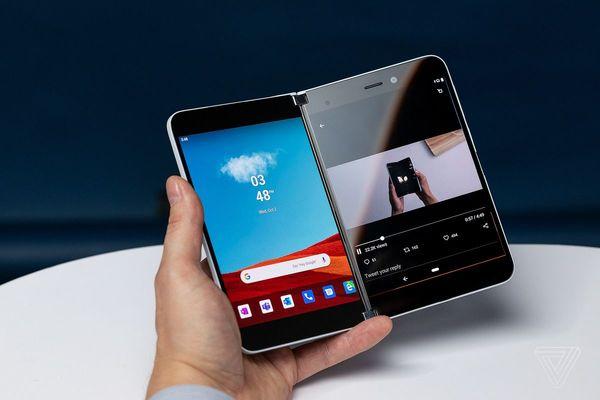 فيديو جديد يكشف إمكانيات هاتف مايكروسوفت Microsoft Surface Duo