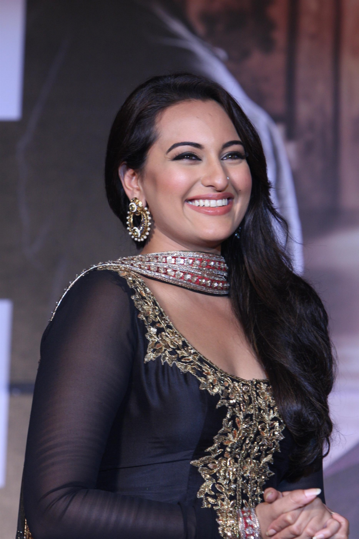 Sonakshi Sinha Sexy Full